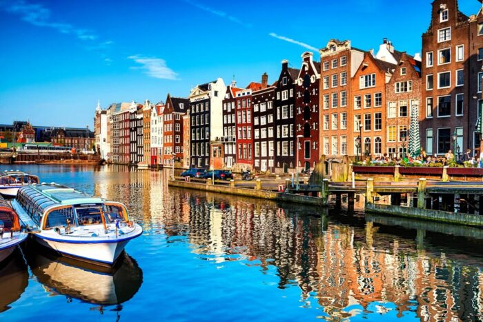 Amsterdam tourists ban